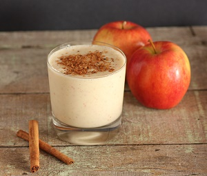 Apple shake with cinnamon