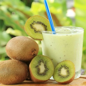 Kiwi,papaya and kefir smoothie